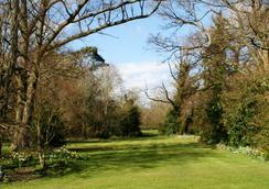 Waterhall Country House - Crawley - Outdoor view