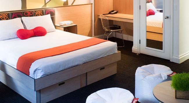 Pod 51 - New York - Bedroom