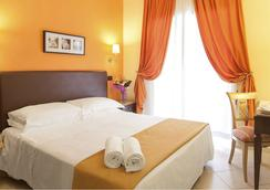 Hotel Tuscolana - Rome - Bedroom