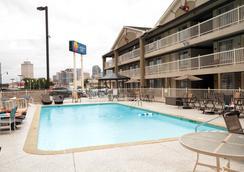 Comfort Inn Downtown Nashville-Vanderbilt - Nashville - Pool