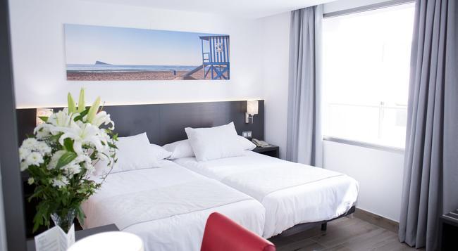 Hotel Los Álamos - Benidorm - Bedroom