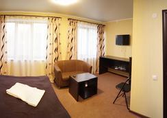 Aktai Hotel - Ust-Kamenogorsk - Bedroom