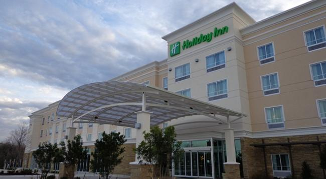 Holiday Inn Austin Airport - Austin - Building