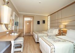 Quattro Beach Spa & Resort - Alanya - Bedroom