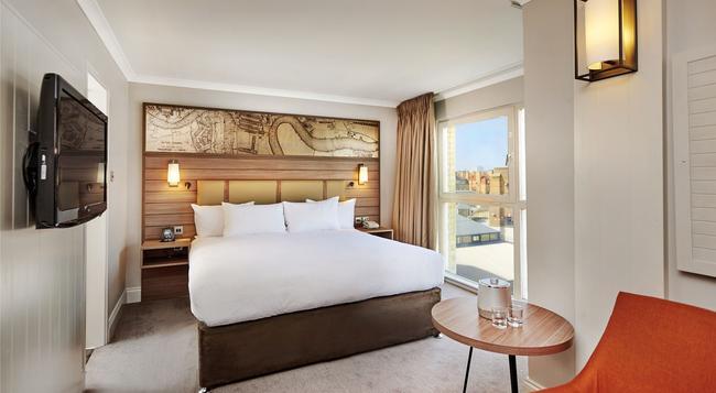 DoubleTree by Hilton Hotel London - Docklands Riverside - London - Bedroom