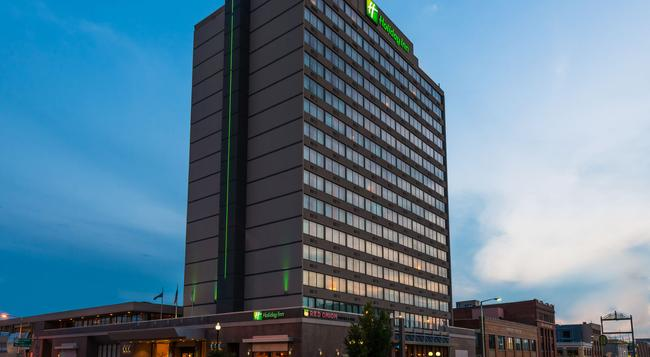 Holiday Inn Lincoln-Downtown - Lincoln - Building