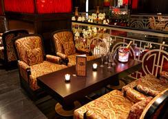 Buddha-Bar Hotel Budapest Klotild Palace - Budapest - Bar
