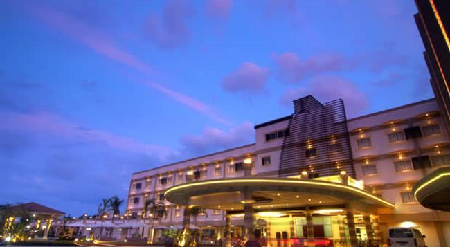 Hotel Centro - Puerto Princesa - Building