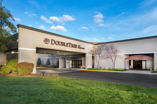 DoubleTree by Hilton Lawrence - Lawrence - Outdoor view