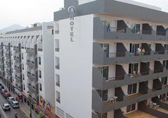 Hotel El Puerto - Ibiza - Building