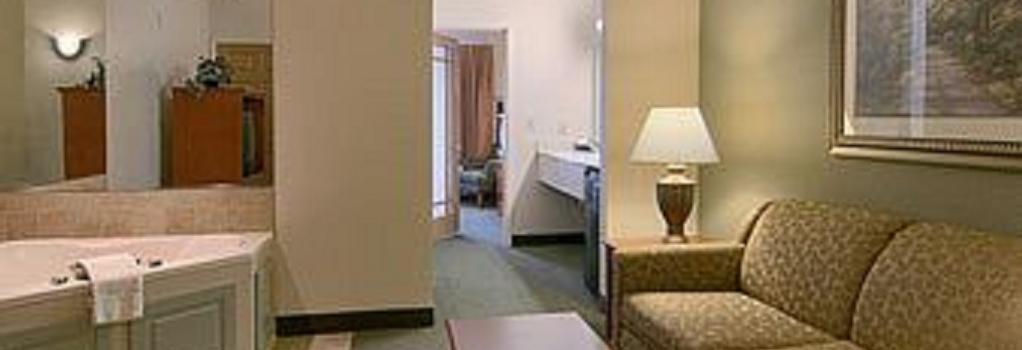 Days Inn & Suites Bozeman - Bozeman - Bedroom