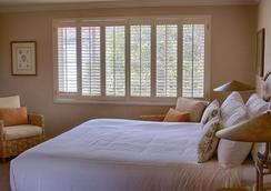 Carmel Lodge - Carmel-by-the-Sea - Bedroom