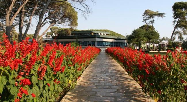 Tropikal Resort - Durres - Outdoor view