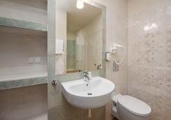 Hotel Sedan - Sopot - Bathroom