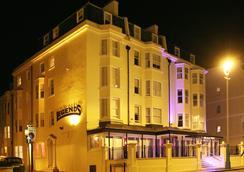 Legends Hotel - Brighton - Outdoor view
