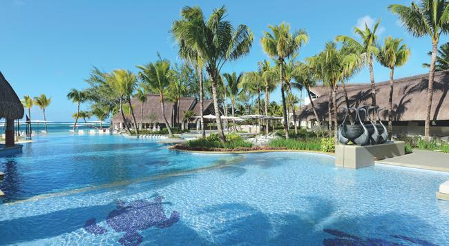 Ambre Resort & Spa - Belle Mare - Pool