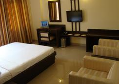Hotel Maiden Residency - Ghaziabad - Bedroom