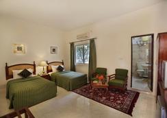 Jayamahal Palace Hotel - Bangalore - Bedroom