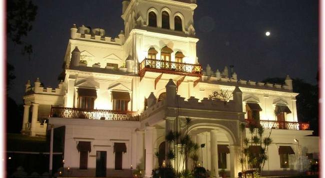Jayamahal Palace Hotel - Bangalore - Building