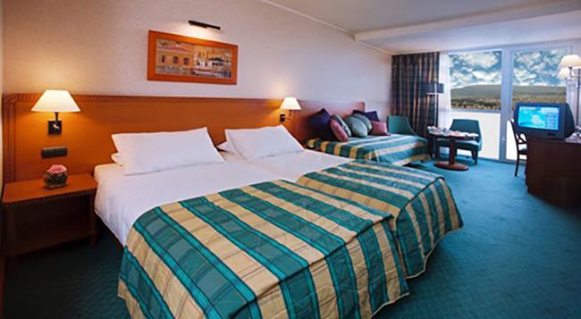President Hotel - Athens - Bedroom