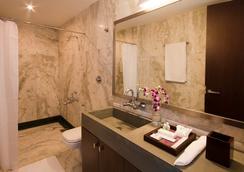 The Park Slope Hotel - Bangalore - Bathroom