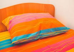 Like Hostel - Orenburg - Bedroom