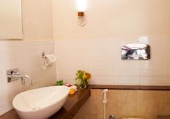 Chitvan Hotel - Ajmer - Bathroom