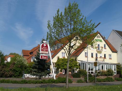 Hotel Bauschheimer Hof - Russelsheim - Outdoor view