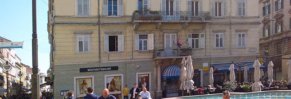 Lounge Hostel Carnevale - Rijeka - Building