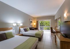 Hotel Grand Chancellor Palm Cove - Palm Cove - Bedroom