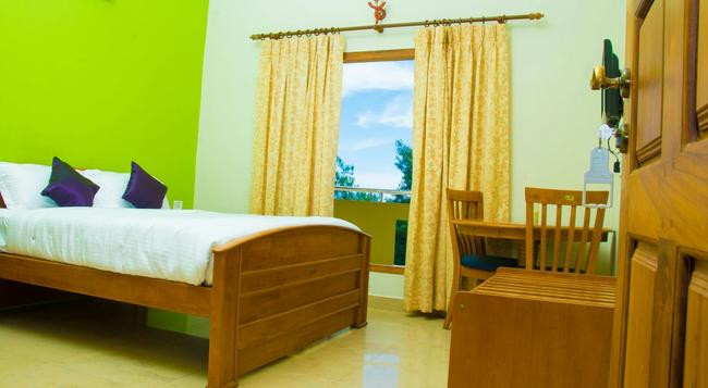 Munnar Clouds - Chinnakanal - Bedroom