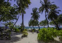Salt Beach Hotel - Maafushi - Outdoor view