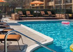 Courtyard by Marriott Atlanta Norcross/Peachtree Corners - Norcross - Pool