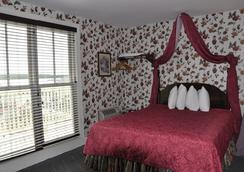 Murray Hotel - Mackinac Island - Bedroom