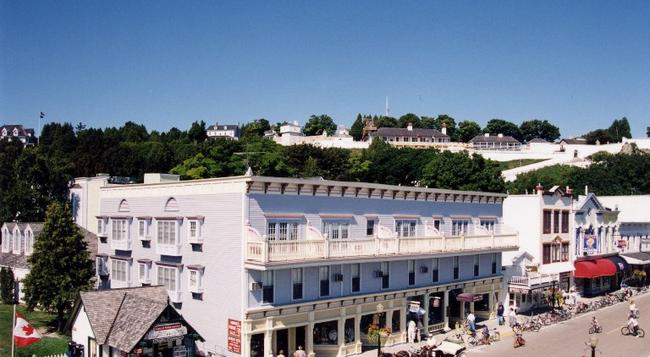 Murray Hotel - Mackinac Island - Building