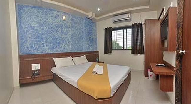 Hotel Jain Residency - Shirdi - Bedroom