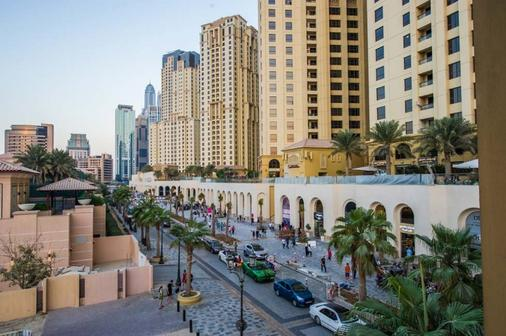 Majestic Hotel Tower - Dubai - Outdoor view
