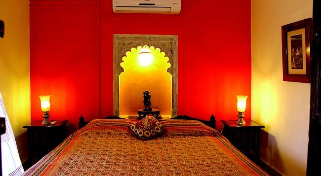 Ghanerao Royal Castle - Ranakpur - Bedroom
