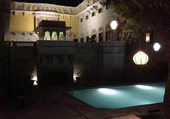 Ghanerao Royal Castle - Ranakpur - Pool