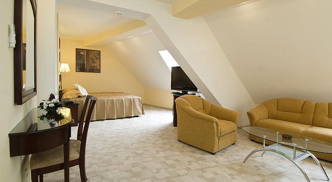 Hotel Ambient - Brasov - Bedroom