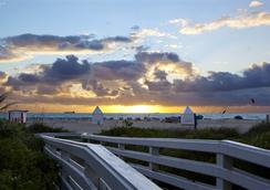 The Richmond Studios - Miami Beach - Beach
