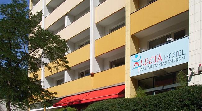 Alecsa Hotel Am Olympiastadion - Berlin - Building