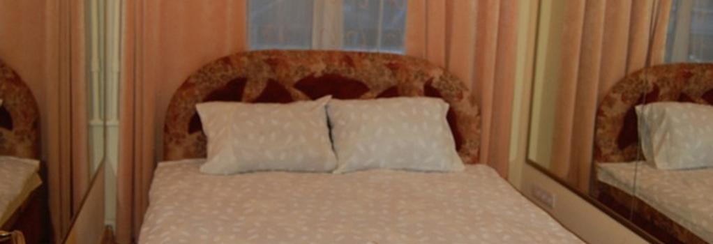 Hostel Like - Kiev - Bedroom