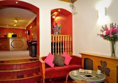 My Place Hostel - Dublin - Lobby