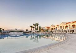 The Princess Beach - Larnaca - Pool
