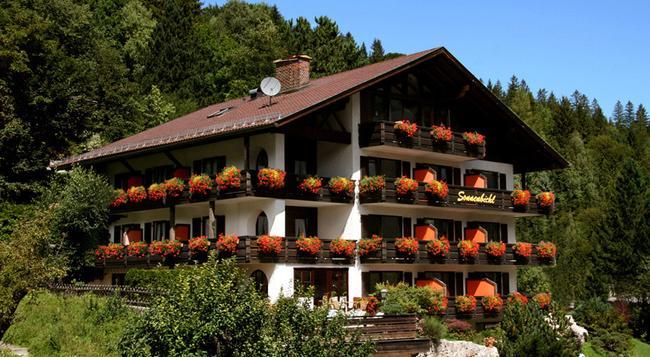 Landhaus Sonnenbichl Mittenwald - Mittenwald - Outdoor view