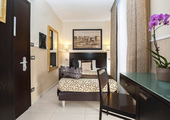Yes Hotel - Rome - Bedroom