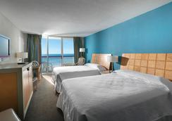 Crown Reef Resort - Myrtle Beach - Bedroom