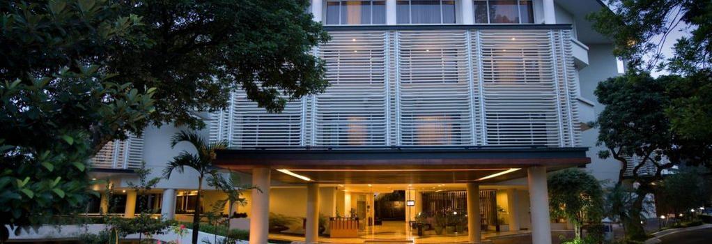 Hotel Santika Bandung - Bandung - Building