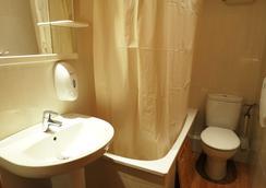 Hostal Balmes Centro - Barcelona - Bathroom